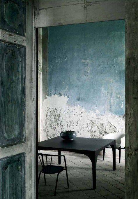 plus besoin de parfaire le lissage de vos murs avant peinture la tendance est au dlabr chic ou plus communment appel le style rough luxe amb