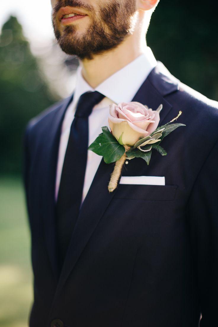 Fashionable english garden wedding at barnsley house gardens