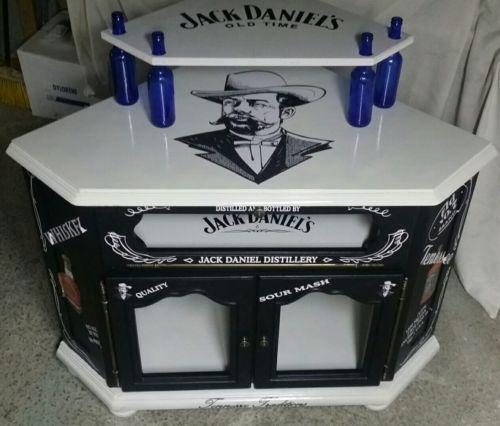 Superbe meuble bar d 039 angle jack daniel 039 s meuble for Meuble jack daniels