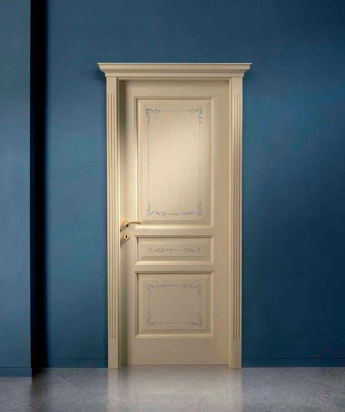 Puerta de interior lacada en crema modelo capitel for Modelos de puertas de metal para interiores