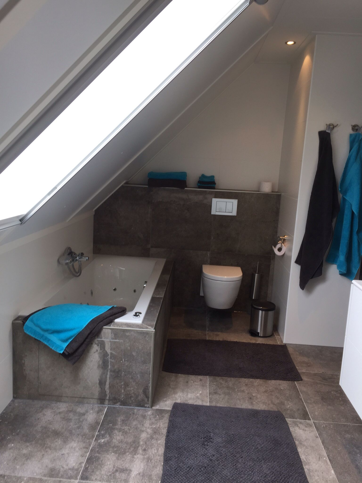 luxe badkamer met vloerverwarming philippe starck toilet