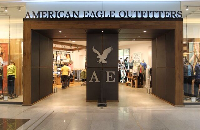 American Eagle Outfitters AEs 2012 Storefront And Store Interior