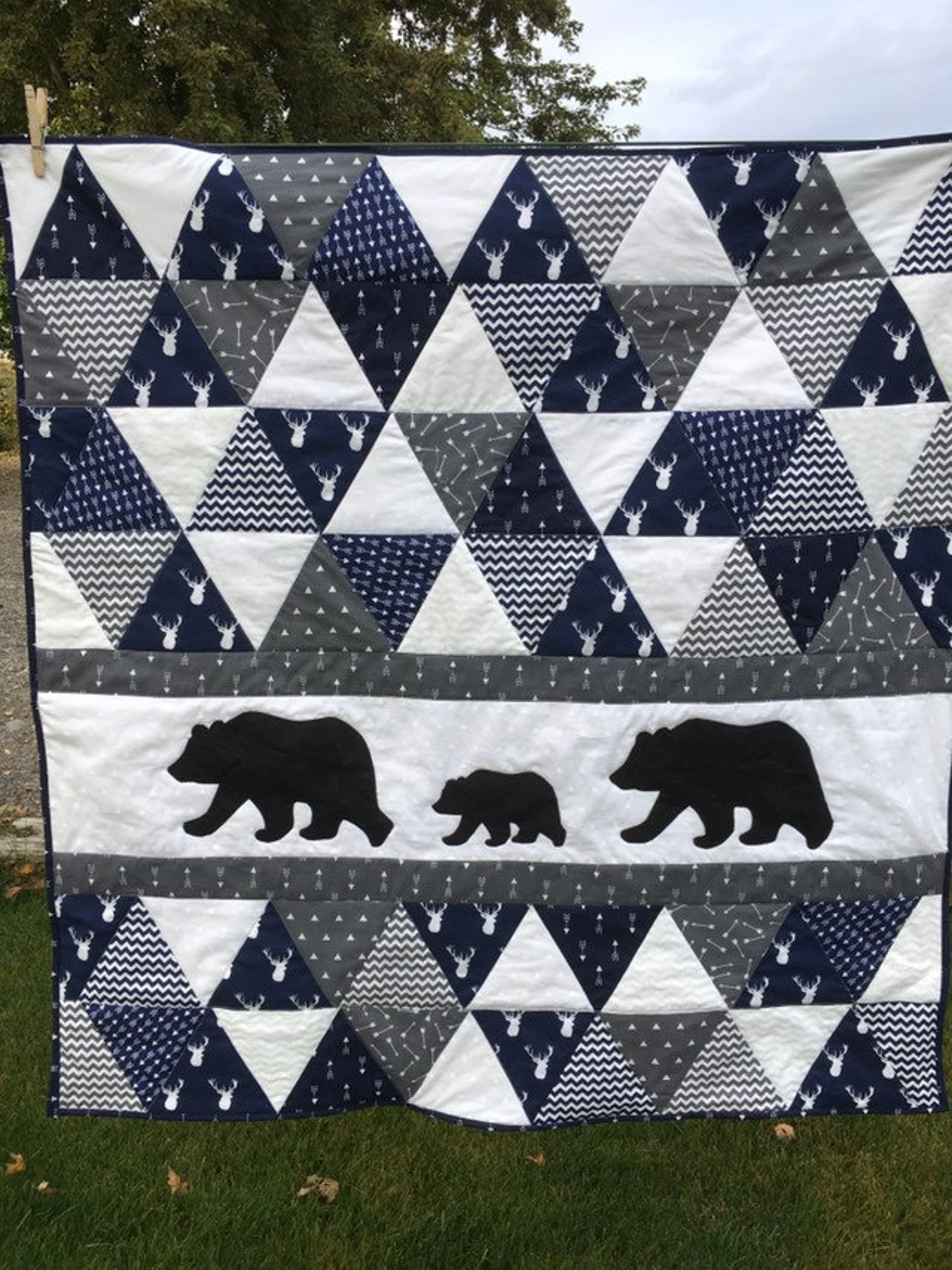 Baby blanket quilt bears triangles baby boy