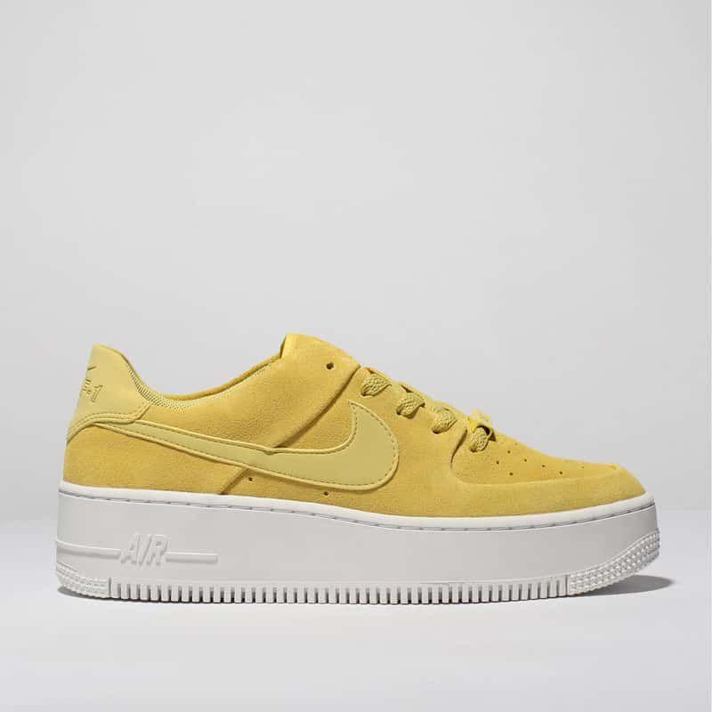 nike air force sage low yellow