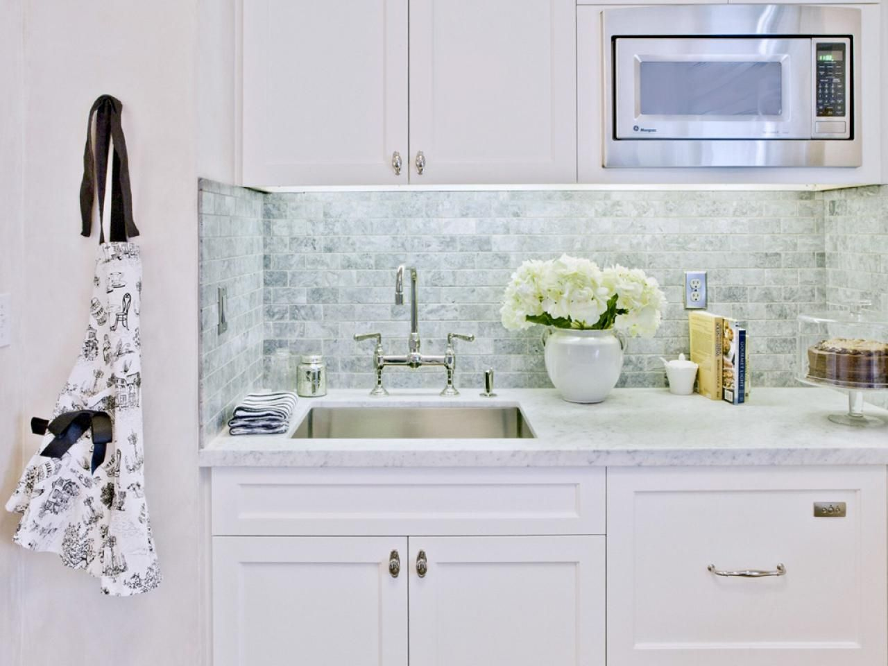 Subway Tile Backsplash Kitchen Pictures | http://jubiz.info | Pinterest