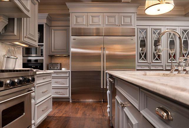 Kitchen Appliances Fridge is a Viking 36 Integrated