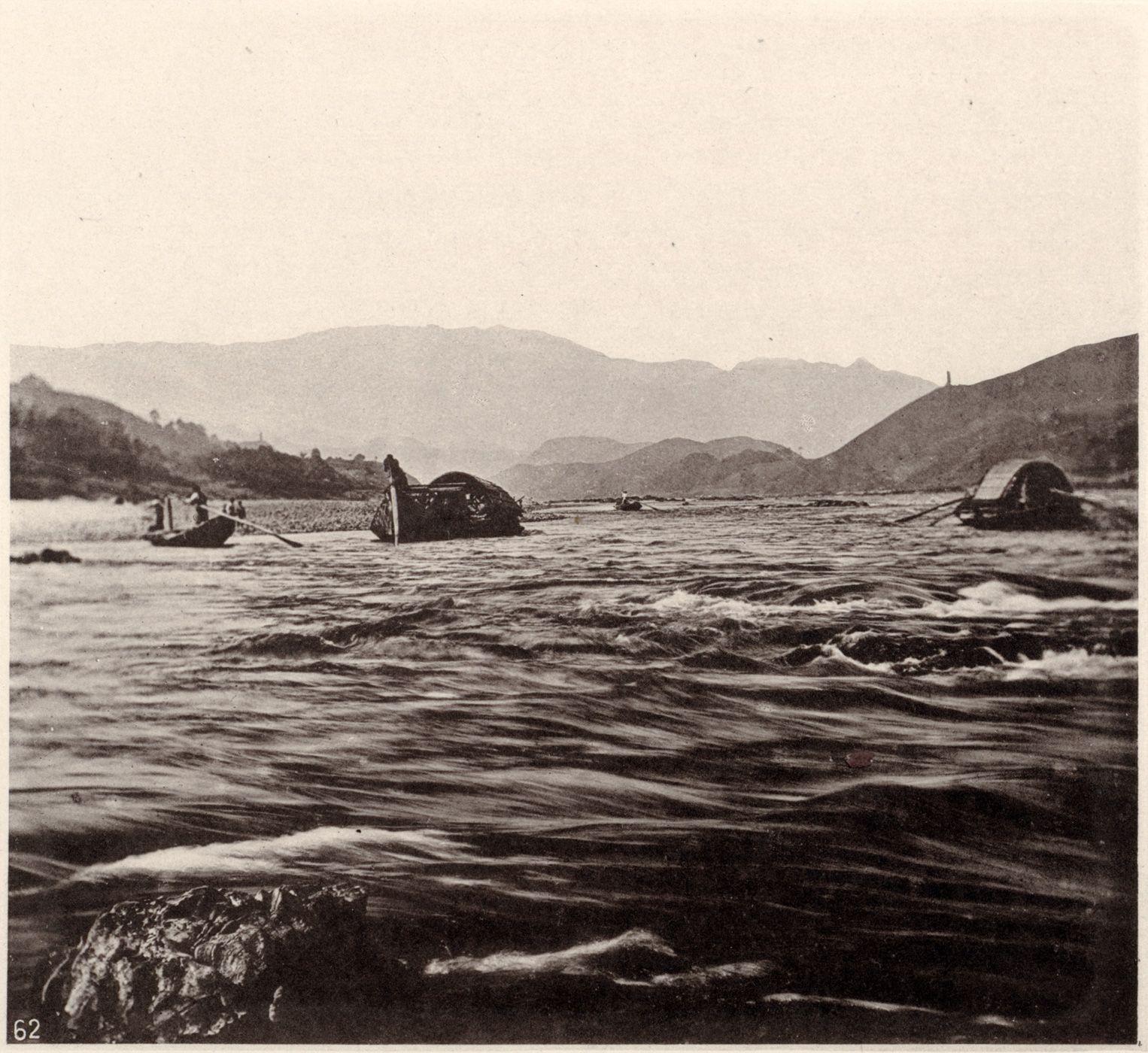 The Yanping Rapid on the Min river in Fujian province, ca 1870. From John Thomson, Images of China (pub. 1873-4)  http://ocw.mit.edu/ans7870/21f/21f.027/john_thomson_china_03/ct_gal_02_thumb.html
