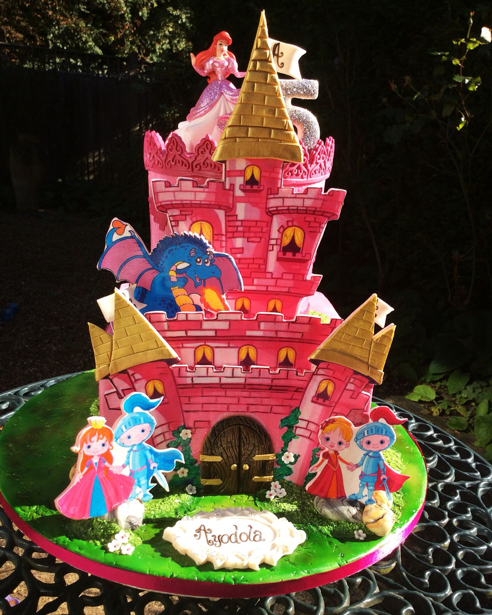 Knights and Princesses birthday cake cake sale Pinterest