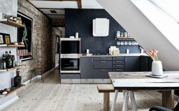 Dachgeschosswohnung kücheneinrichtung mansarde dachschräge deko - kleine küche dachschräge
