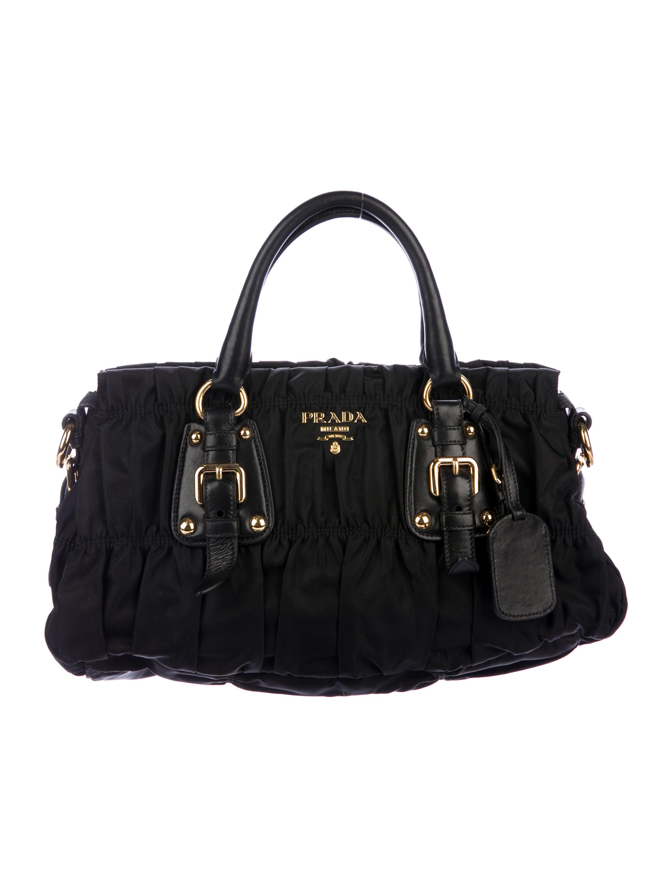 363cea16e2c3 Tessuto Gaufre Satchel | Fashion Favorites | Satchel, Prada tessuto ...