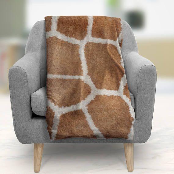Adult giraffe throw blankets