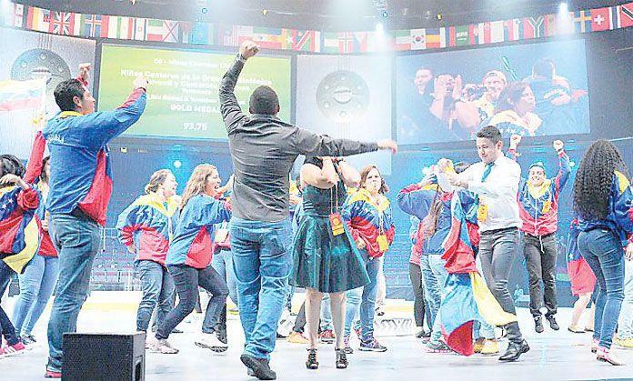 Camerata Larense triunfa en Olimpiadas de Coros