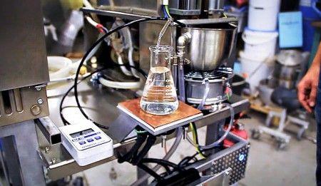 Una máquina convierte la transpiración en agua potable.