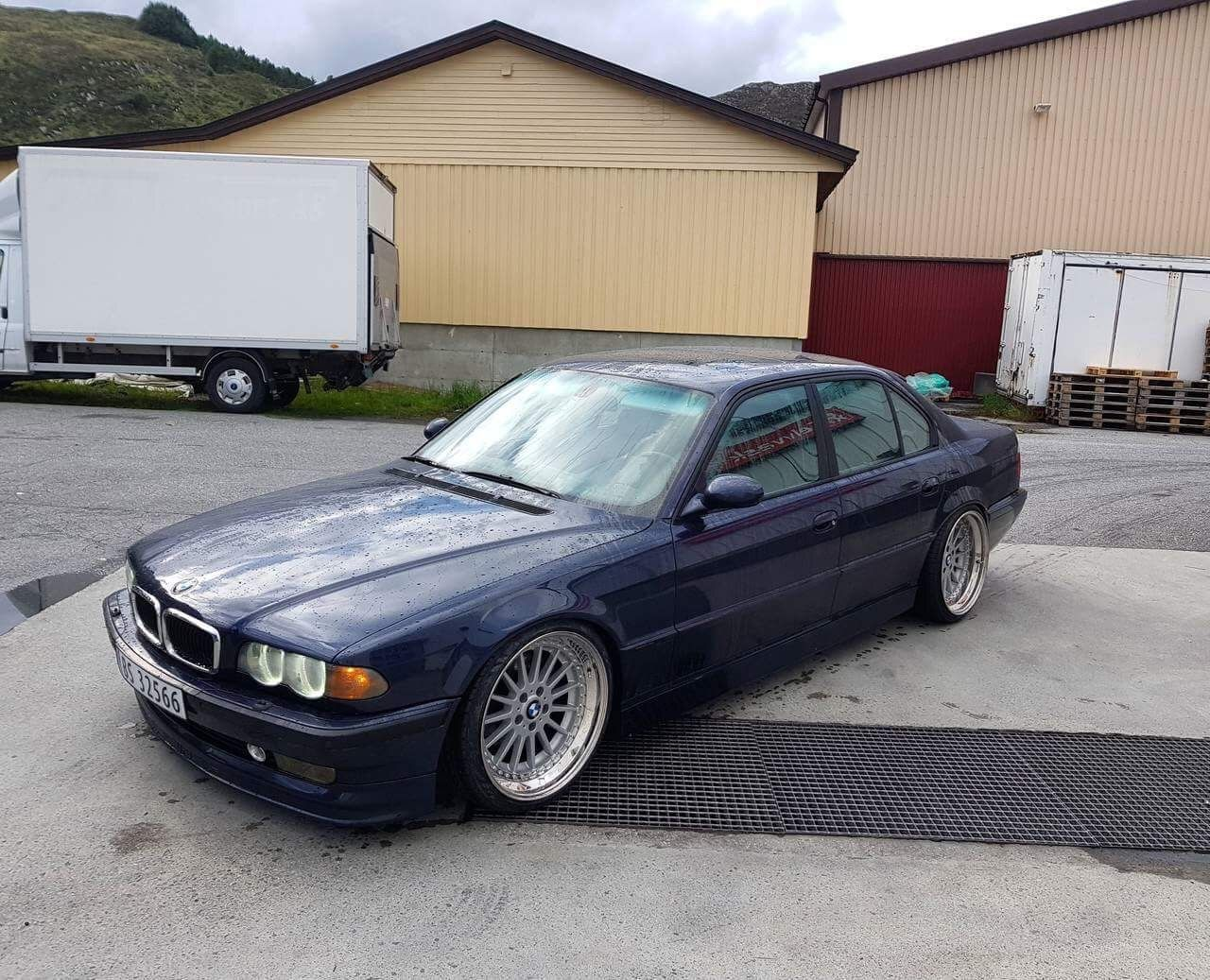 bmw e38 custom style 32 splits m5 mirrors on e38 bmw. Black Bedroom Furniture Sets. Home Design Ideas