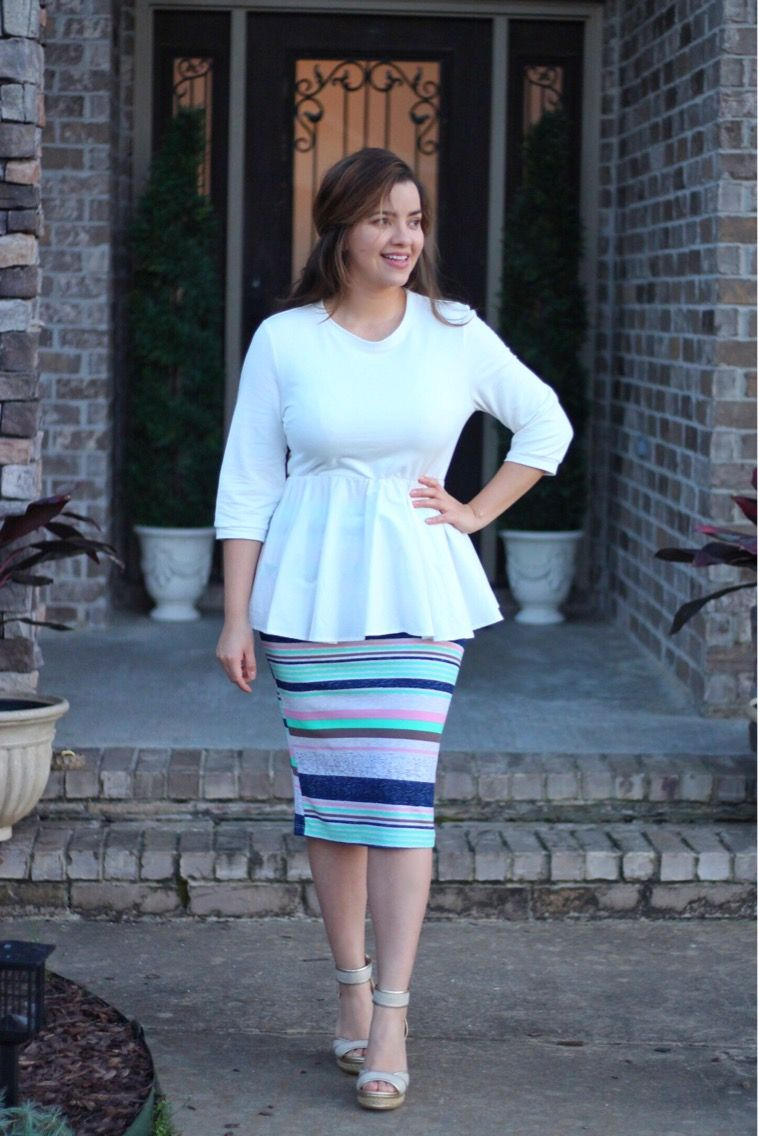 Have you picked up one of newest Brooklyn pencil skirts? This skirt is perfect for spring and summer Available in sizes S-3XL