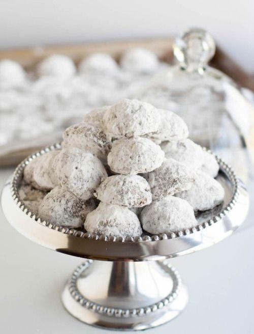 Minty Cocoa Snowballs