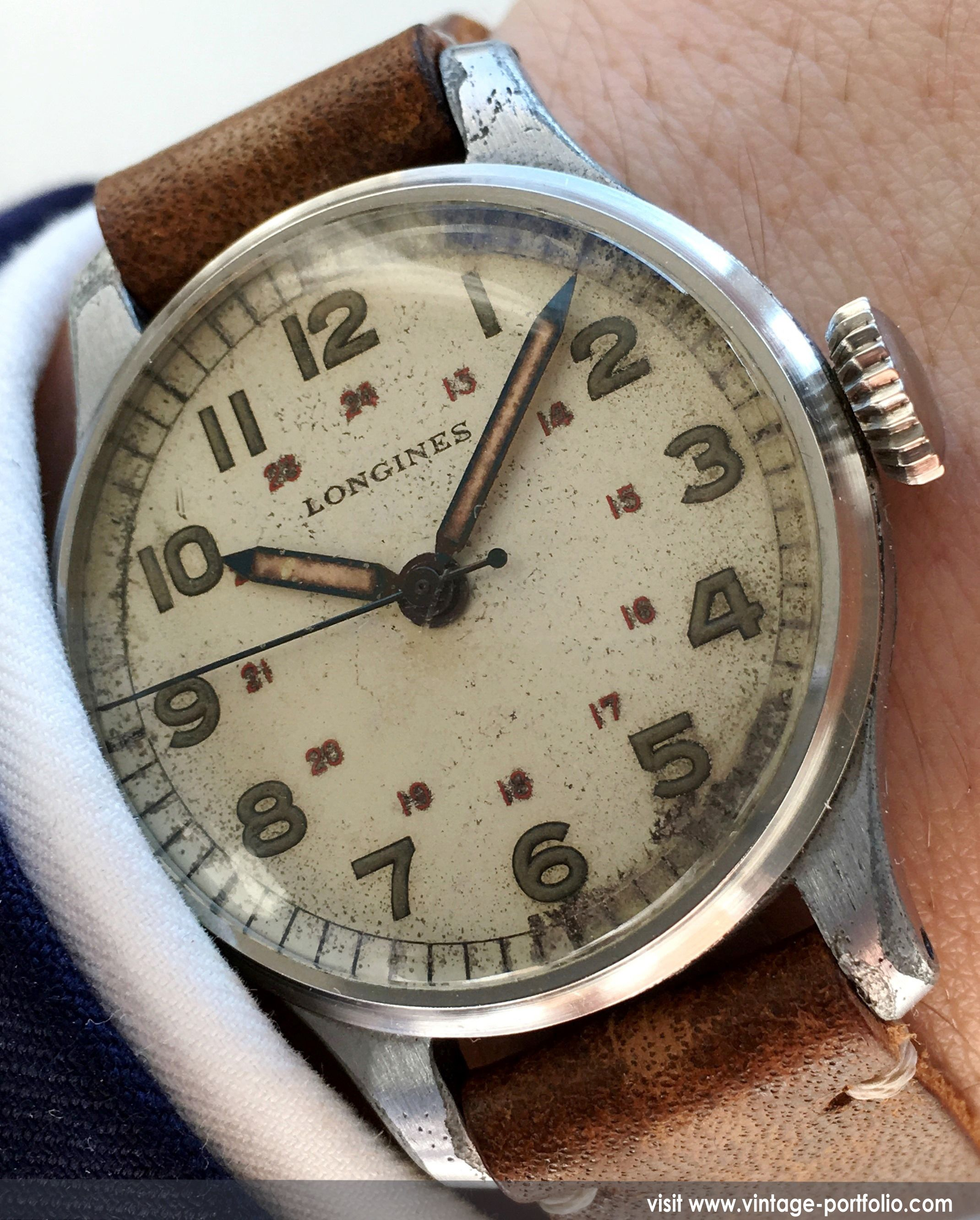 collections ss william this timepiece and movement the unconventional bl thanks vintage automatic dive retro en tribute lovers diver from by watches style l fully bd closeup its styling a is inspired to