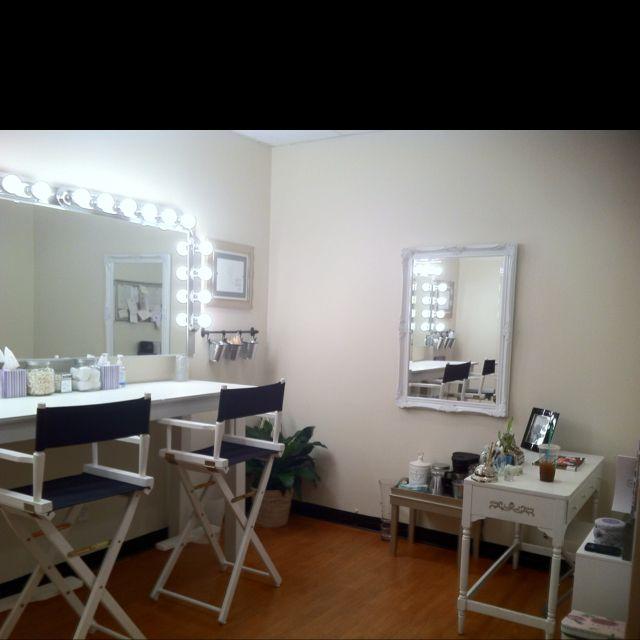 Makeup Studio, Makeup Studio Furniture
