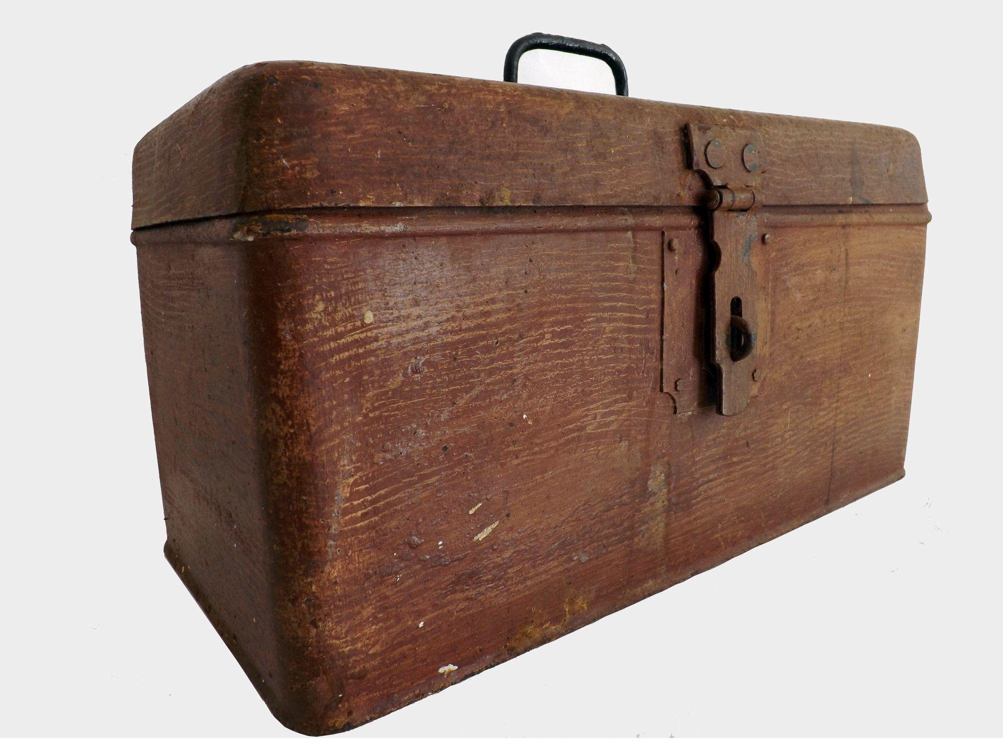 Ancienne Caisse De Rangement En Metal Antique Metal Storage Etsy Caisse Rangement Caisse Rangement