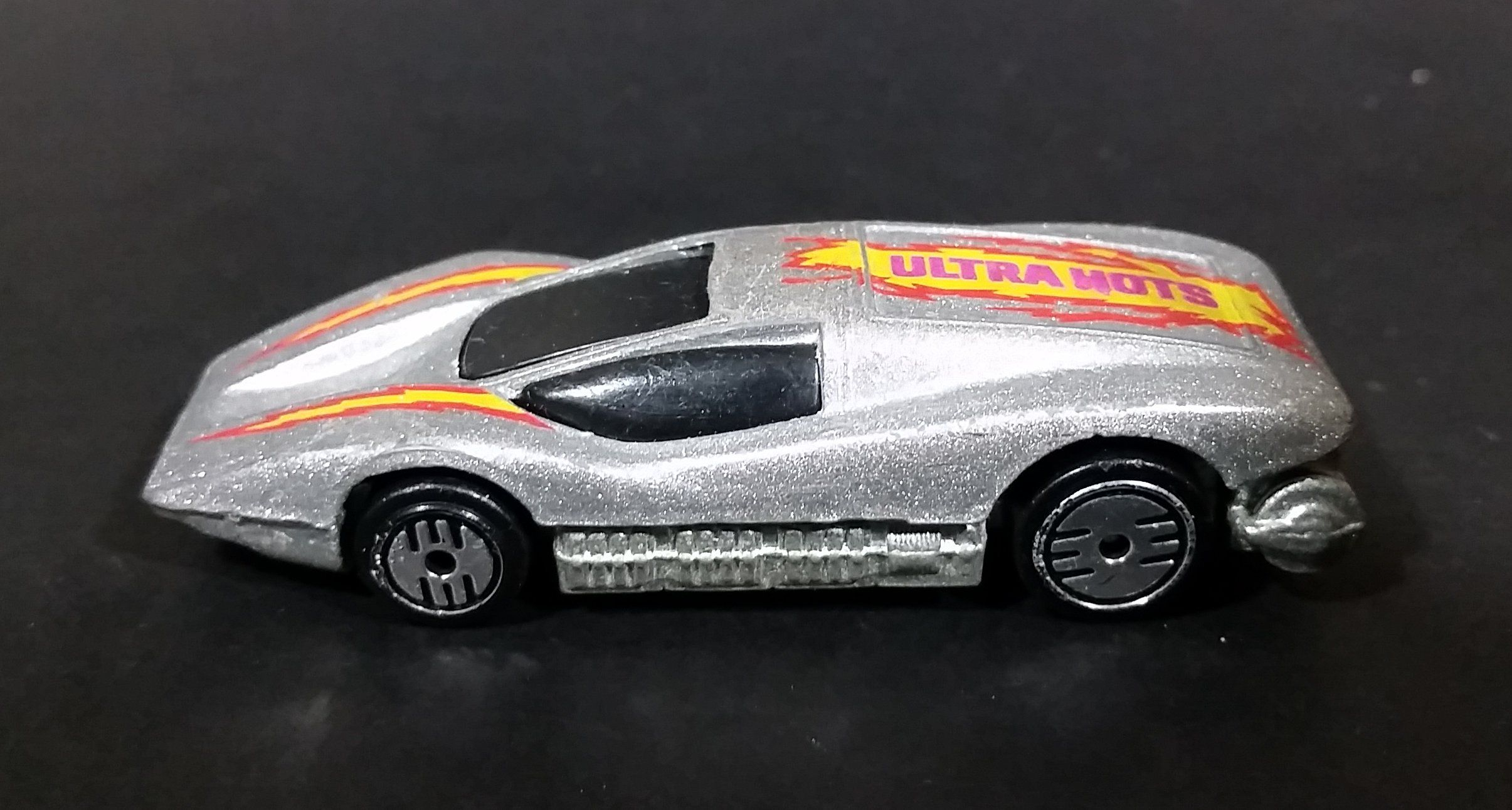 1985 hot wheels large charge silver bullet metallic silver