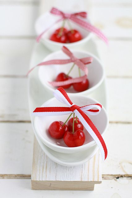 If life is a bowl of cherries, I want this one, please! Cherries by Cintamani ;-), via Flickr