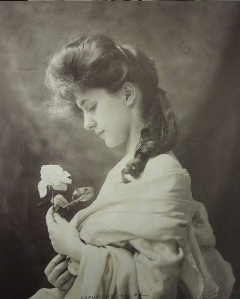Evelyn Nesbit Thaw - Photograph by Tonello