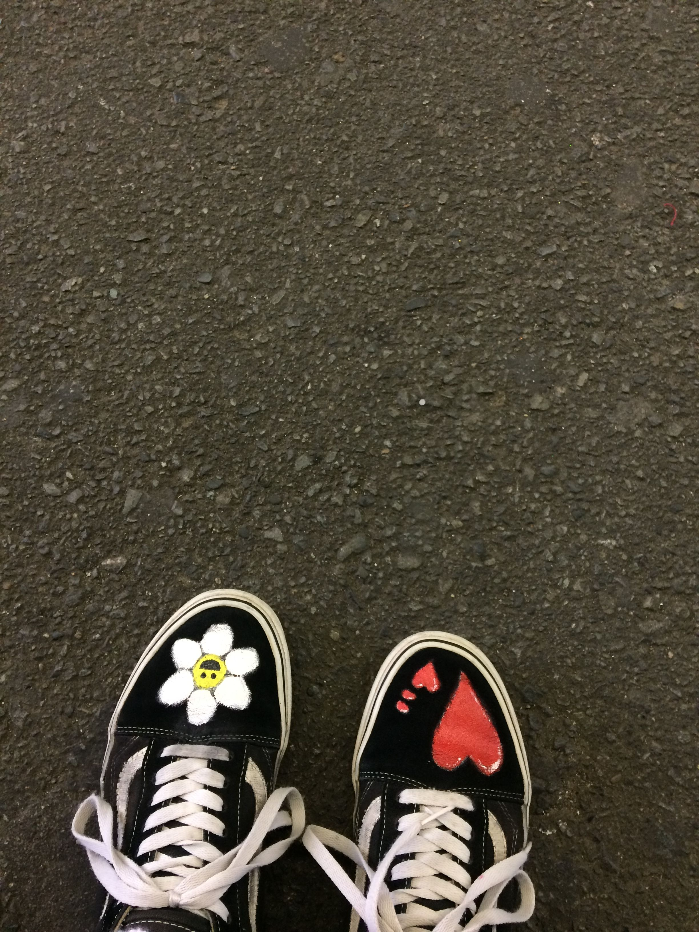 G Dragon Shoes Flower Love Sepatu
