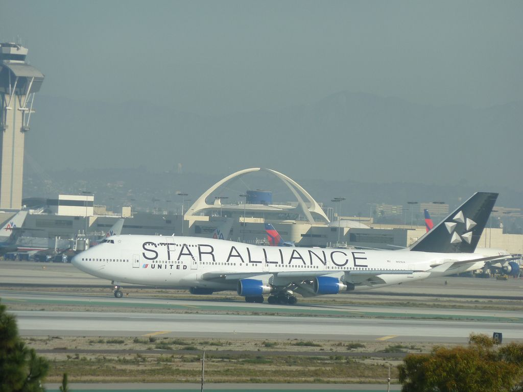United 'Star Alliance' jet at LAX Airport in Los Angeles, California