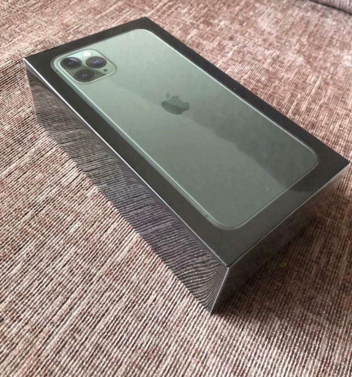 Iphone 11 Pro Max Midnight Green 64 Gb In 2021 Iphone Iphone 11 Apple Products
