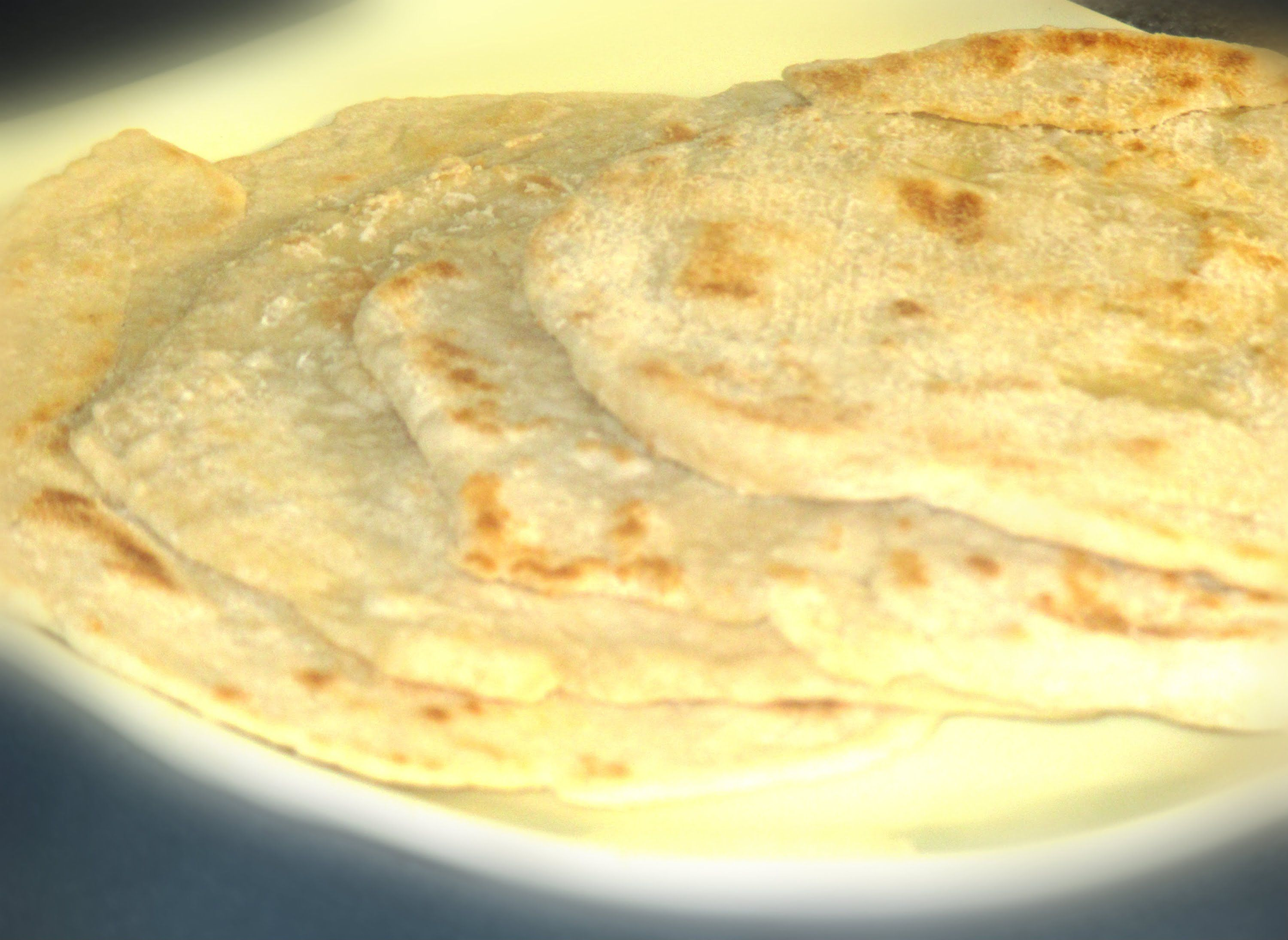 HOW TO MAKE REAL JAMAICAN ROTI RECIPE THE RIGHT WAY 2015 Hello Guys, Here is a easy recipe on how to make Jamaican Roti the right way. I hope this video wasn...
