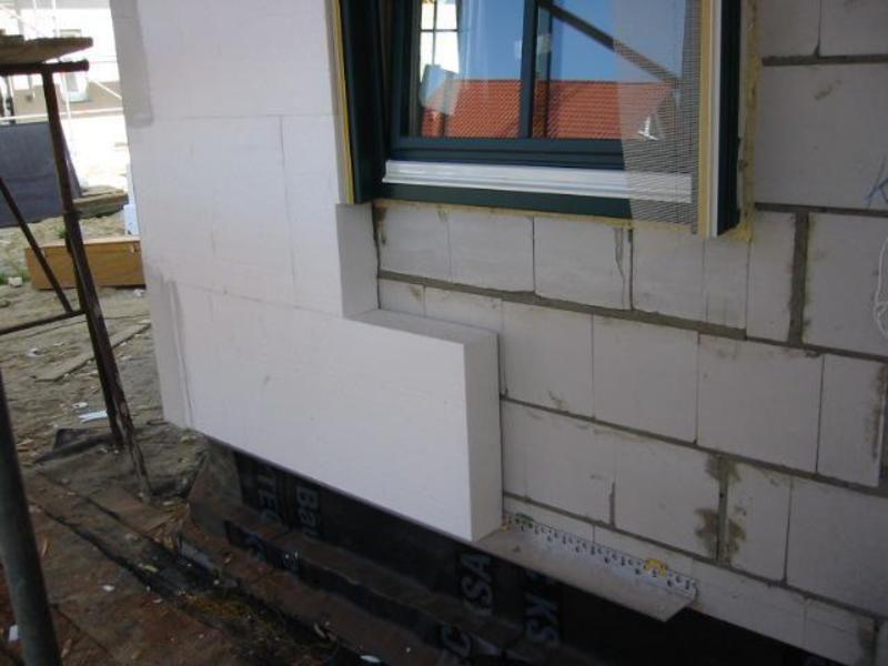 Aufmauern Von Fassadendammplatten Durch Die Malerwerkstatten Herbert