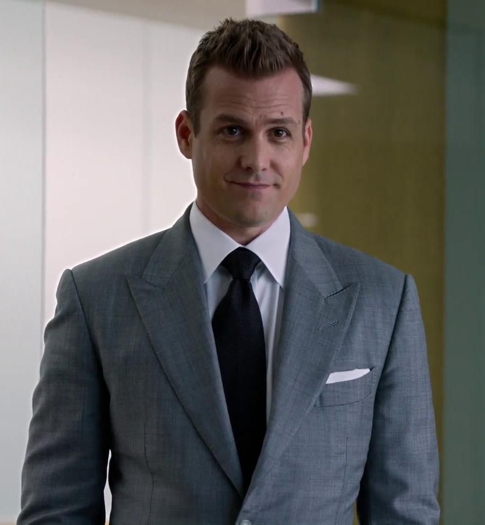 Harvey Specter Wears A Grey Suit By Tom Ford Stylish Mens Suits Classy Suits Suits Harvey