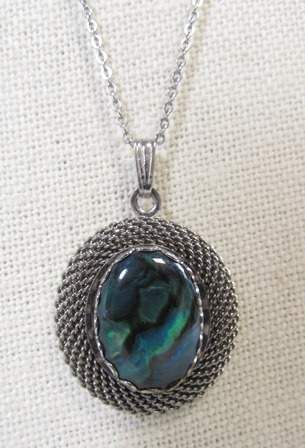 shopgoodwill.com: Beautiful Silver Toned Abalone Stone Necklace