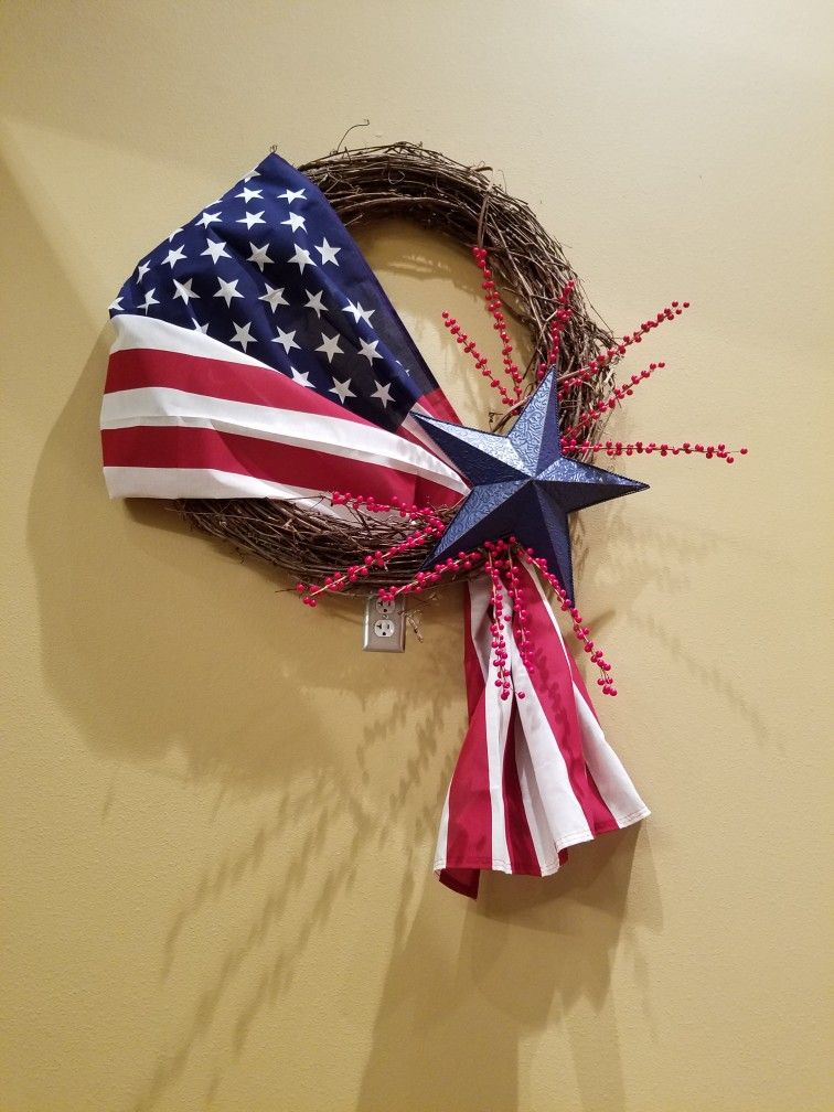 We made these wreaths for July 4th, Memerial day and Sept 11th