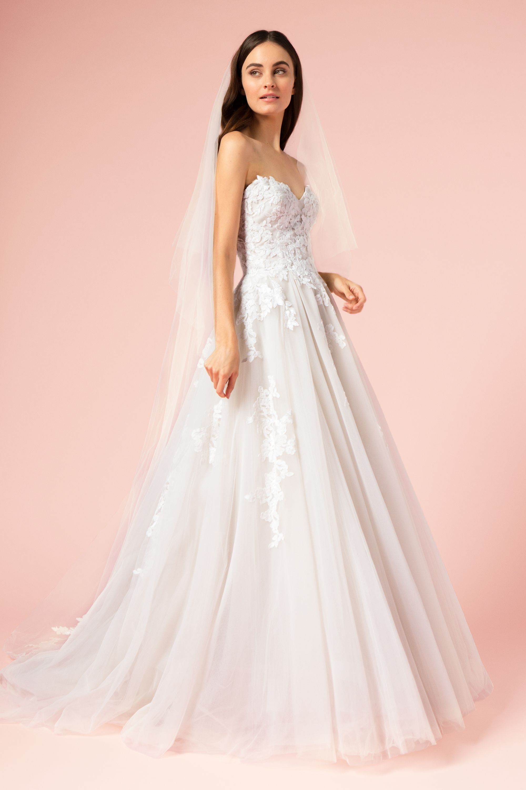 Style #17106 from the BLISS collection by Monique Lhuillier ...