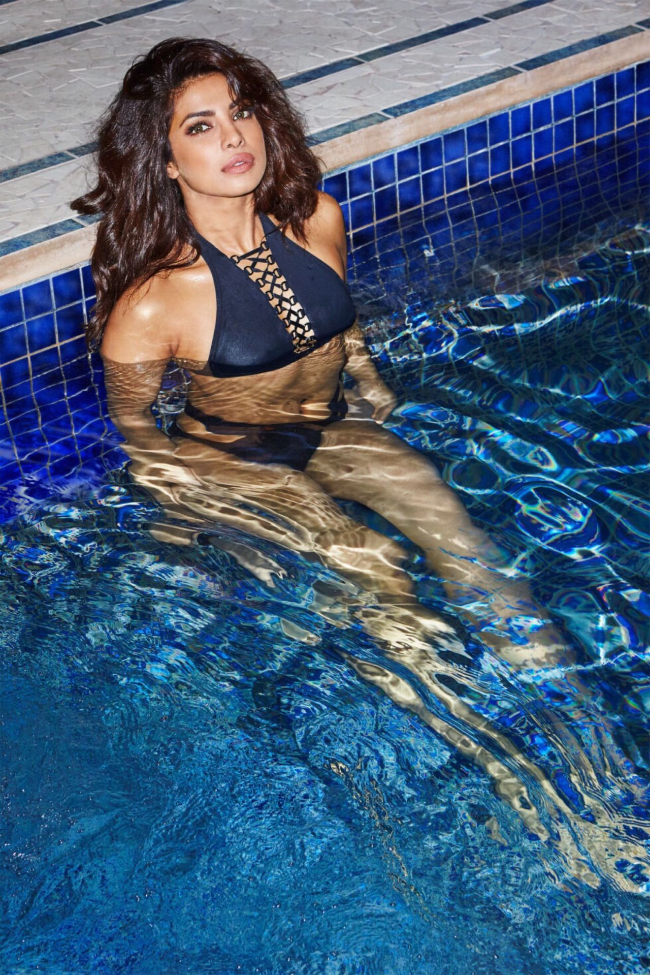 Beautiful Bollywood Actress In Swimming Pool Images