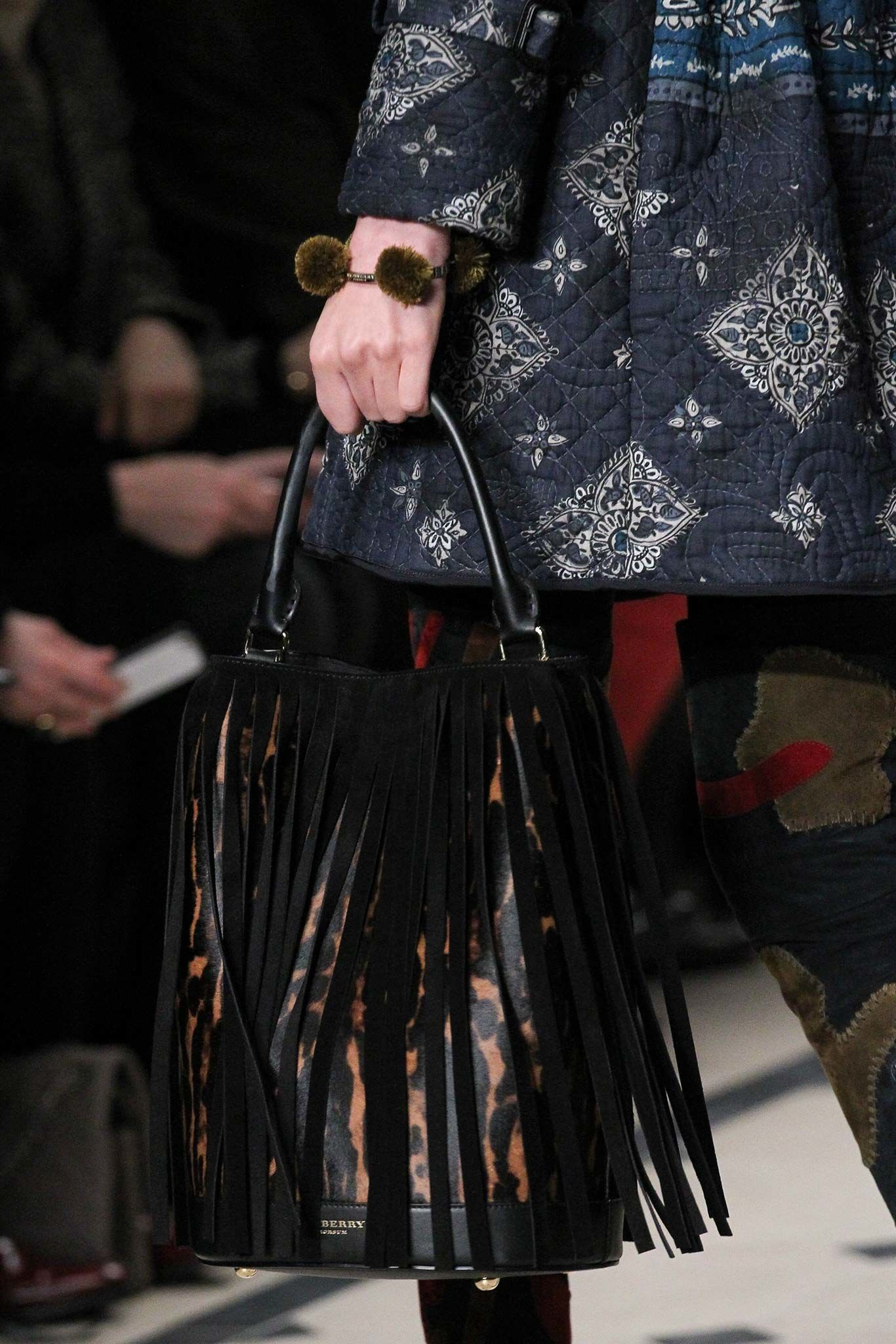Burberry Prorsum Fall 2015 Ready-to-Wear Accessories Photos - Vogue
