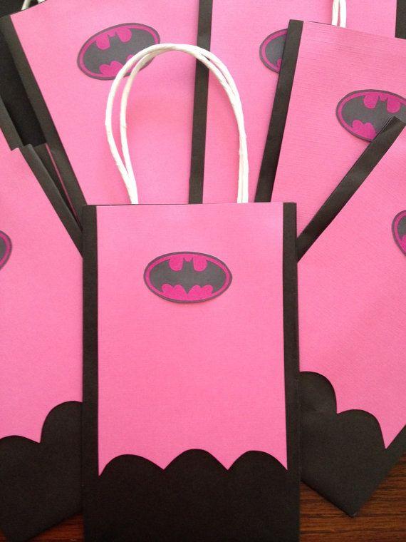 Hecho por encargo bolsas de regalo BATGIRL por MyAllyBally en Etsy