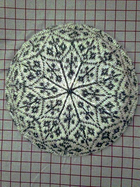Ravelry: vanessaewing\'s Floral fallal II (free pattern) | fair Isle ...
