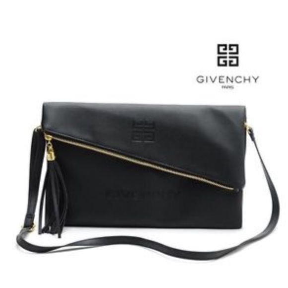 Givenchy cross body bag. VIP gift You can use it like a clutch... send me  an offer we can negotiate the price Givenchy Bags Crossbody Bags 927c5467c7