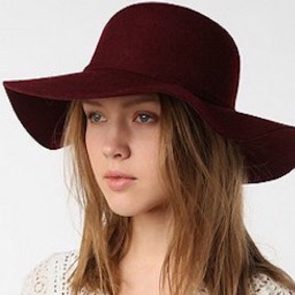 dfee811ebd1 Urban Outfitters Deena   Ozzy Felt Floppy Hat New without tags. Sold out!  100% felt. Spot clean only. XO Such a beautiful maroon color.💎 Perfect  condition.