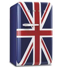 """Un """"atrevimiento vintage"""" de la firma italiana Smeg  con estampados no tradicionales como la bandera de Inglaterra"""
