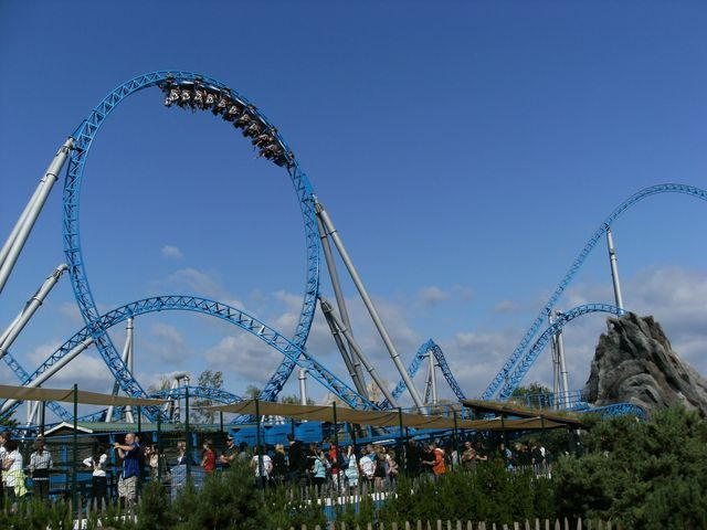 Pin By Mert Kabaktepe On Places I Ve Been Amusement Park Rides Theme Parks Rides Crazy Roller Coaster