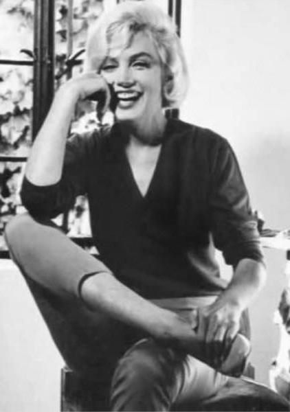 Marilyn at home during her Life interview with Richard Meryman, 4 July 1962. Photo by Allan Grant.