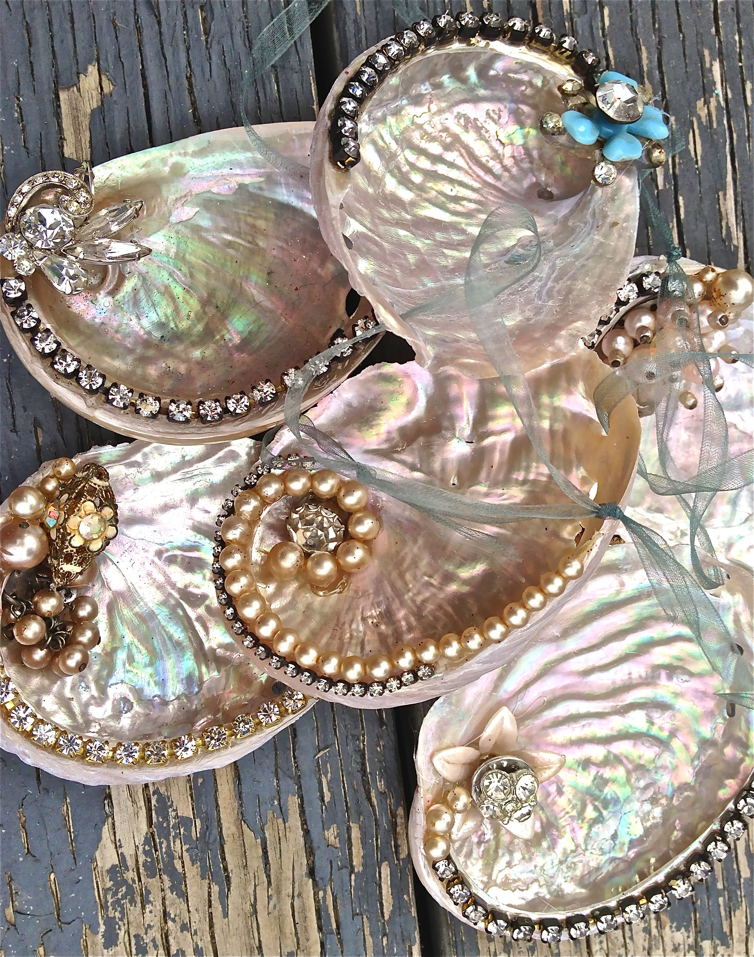 Abalone Ornaments Find Them At The Mermaid S Mercantile On Nov 27th Themermaidsmercantile Blogspot Com Seashell Crafts Shell Crafts Seashell Painting