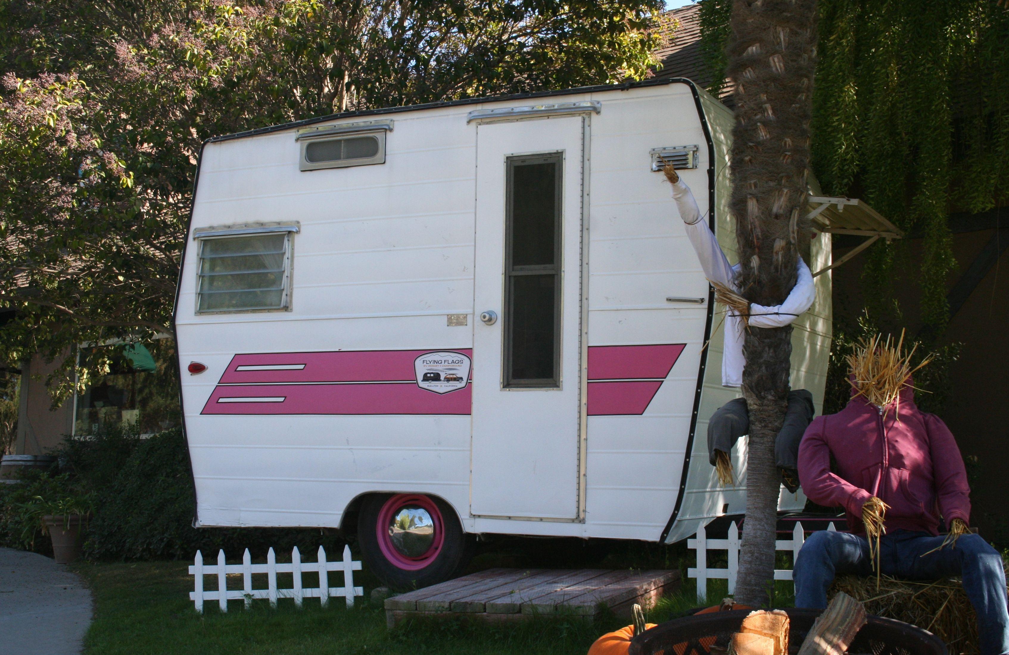 Vintage Camper At Flying Flags R V Park Buellton Ca Vintage Travel Trailers Vintage Trailers Vintage Camper