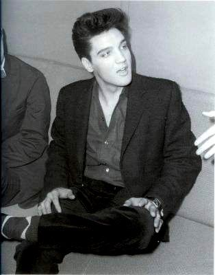 Elvis in Memphis in april 18 1960.