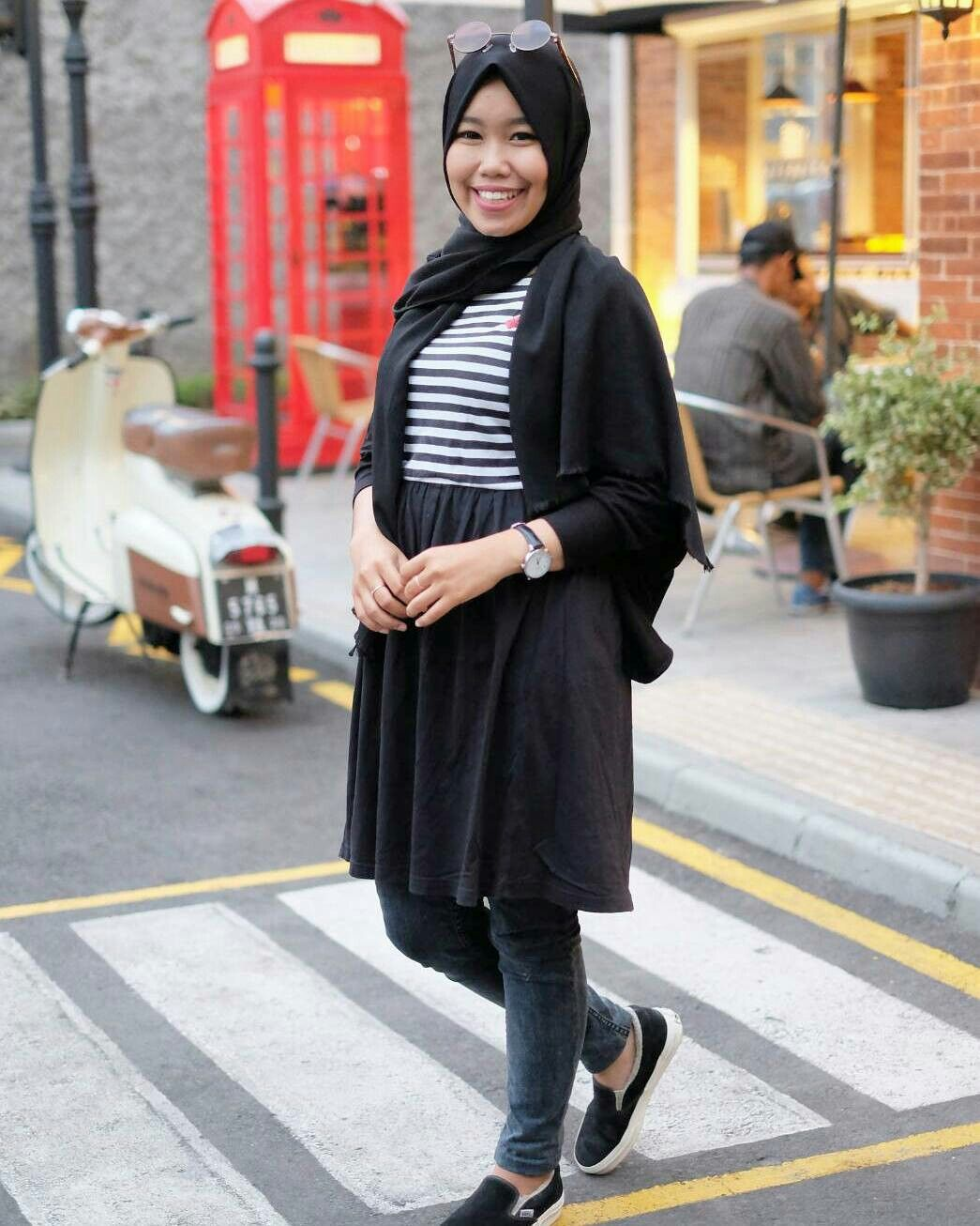 Hijab Black And White Casual Style Vans Slip On Black White