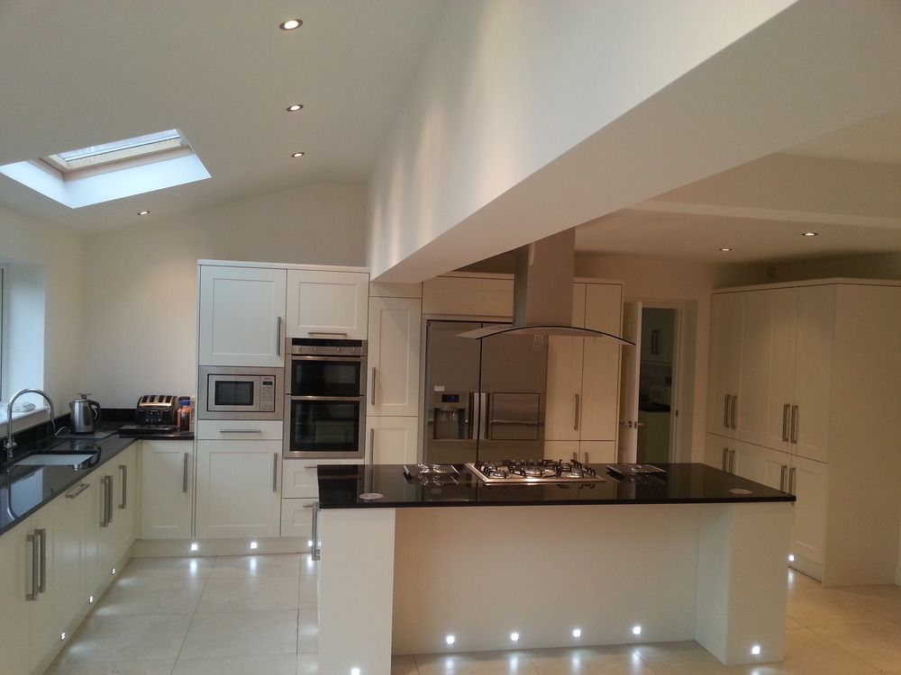 cream kitchen with granite worktop - Google Search | Home decor ...