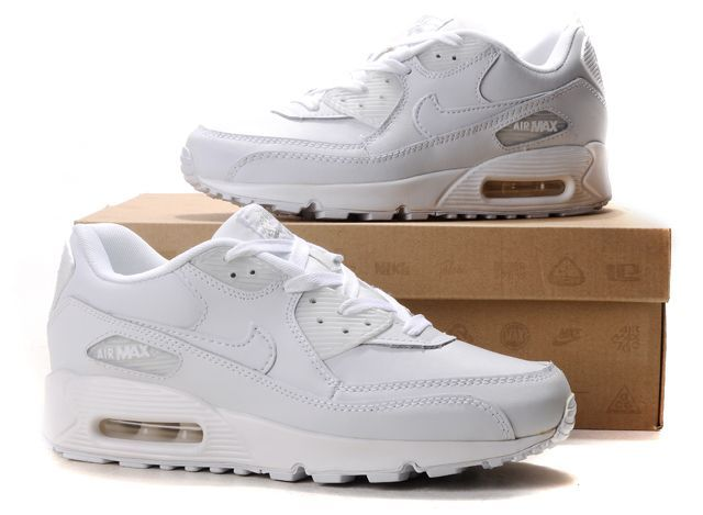 womans white nike air max